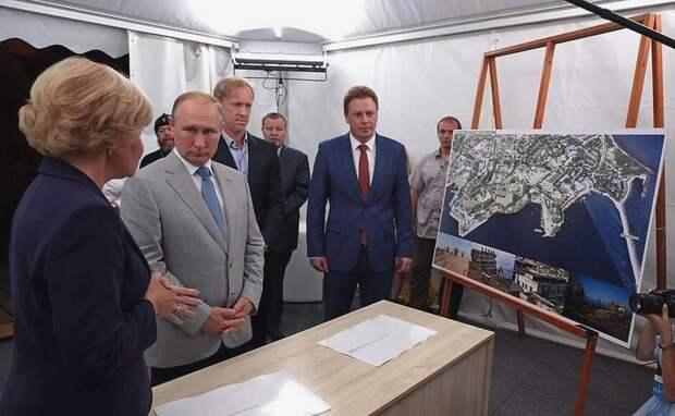 Уволенные участники музейного проекта Путина пошли в суд