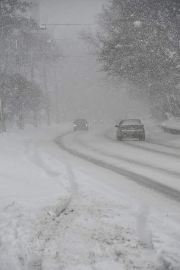 Возможно, это изображение (снег и дорога)