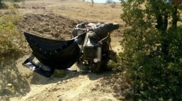 В Крыму опрокинулся внедорожник: три человека получили травмы