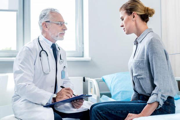 Названы симптомы «женского» рака