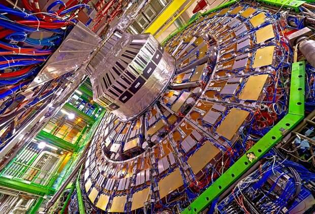 На Большом адронном коллайдере ученые обнаружили новую частицу