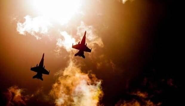 Пентагон перебрасывает на Аляску 150 военных самолетов