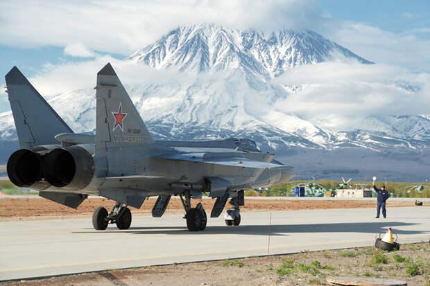 Sohu: истребители МиГ-31 и мобильные комплексы Ярс лишили американцев сна