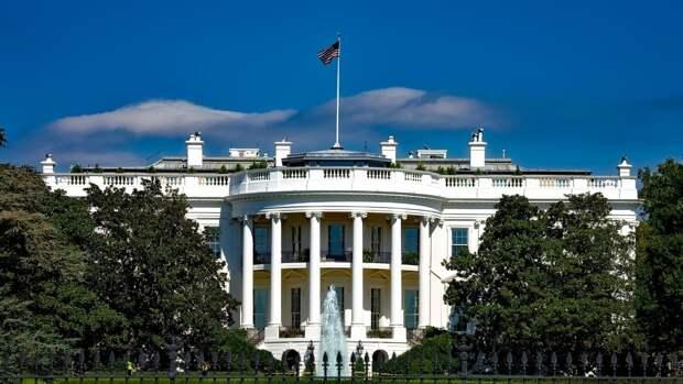 В Белом доме назвали абсурдным заявление об отказе США от военных поставок на Украину