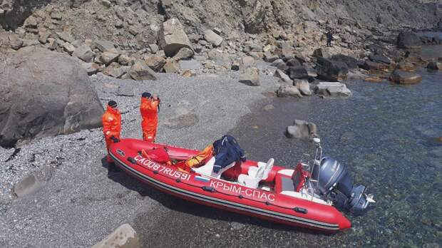 В Феодосии ищут пропавшего подводного охотника