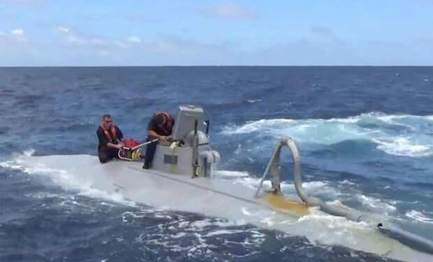Перехват подлодки картеля на видео. Снято с катера береговой охраны