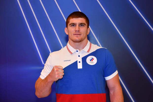 Россиянин Евлоев завоевал золото Олимпиады в греко-римской борьбе