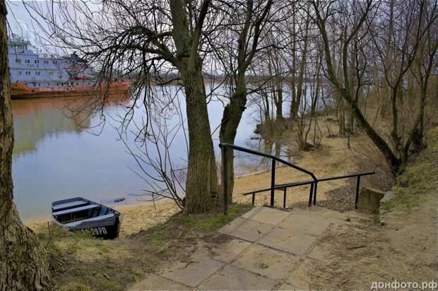 Дон река в апреле