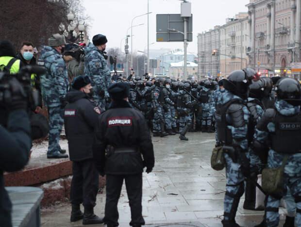 Американские копы поддержали российских полицейских против Навального