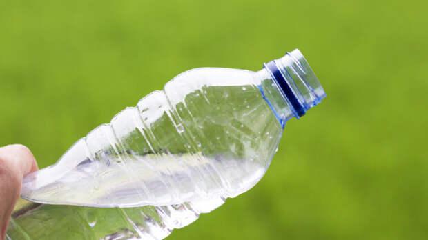 Ученые научились расщеплять пластик на 90%.