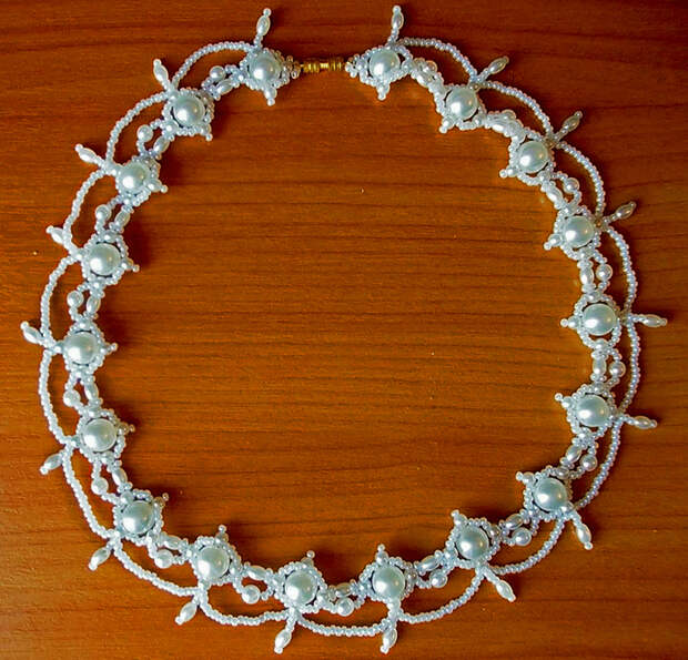 free-pattern-beaded-necklace-tutorial-1 (700x672, 631Kb)