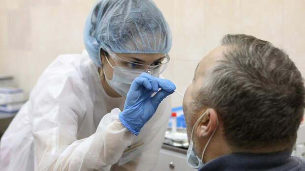 Почему привившиеся должны сдавать тест на коронавирус, объяснила эпидемиолог