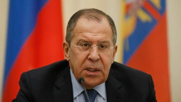 Десятерых американских дипломатов попросят покинуть Россию