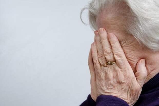 В Севастополе пьяная пенсионерка стала жертвой преступника