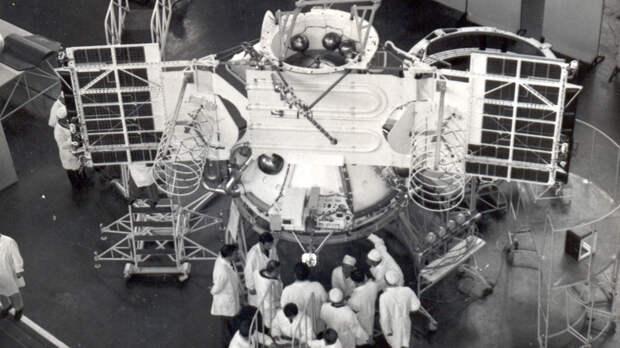 Ровно 50 лет назад советская станция «Венера-7» стала первым аппаратом, сумевшим осуществить мягкую посадку на поверхность другой планеты