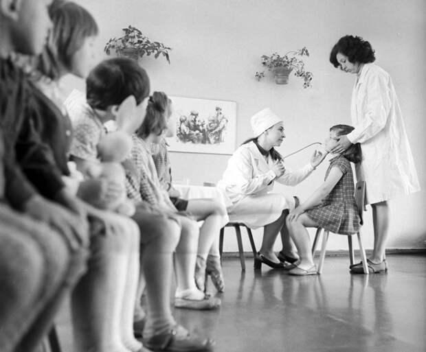 Salt: главное здесь, остальное по вкусу - Вакцинация детей в СССР. Фото: РИА Новости