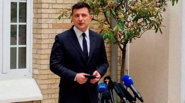 Макрон с «прохладцей» принял Зеленского и его просьбы о НАТО
