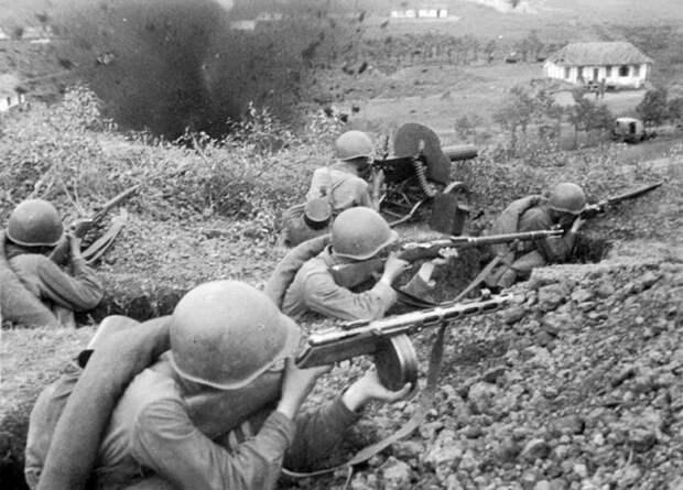 Сколько всего боеприпасов выдавали красноармейцам перед боем