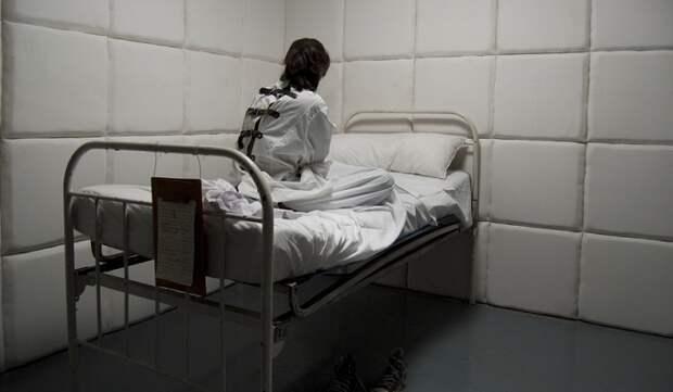 Бывшая санитарка психбольницы откровенно рассказала отом, что происходит веестенах