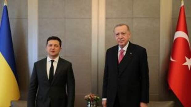 Зеленский хочет заменить россиян на украинцев в Турции