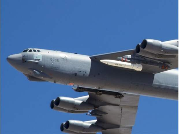 На гиперзвуковой удар России США ответят макетами ракет