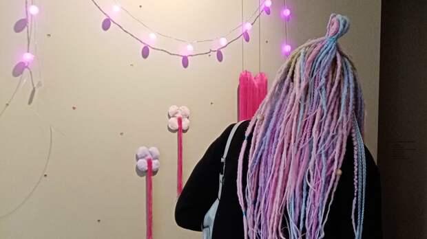 Русалки поют— ижизнь налаживается: в«Артэтаже» открылись две выставки