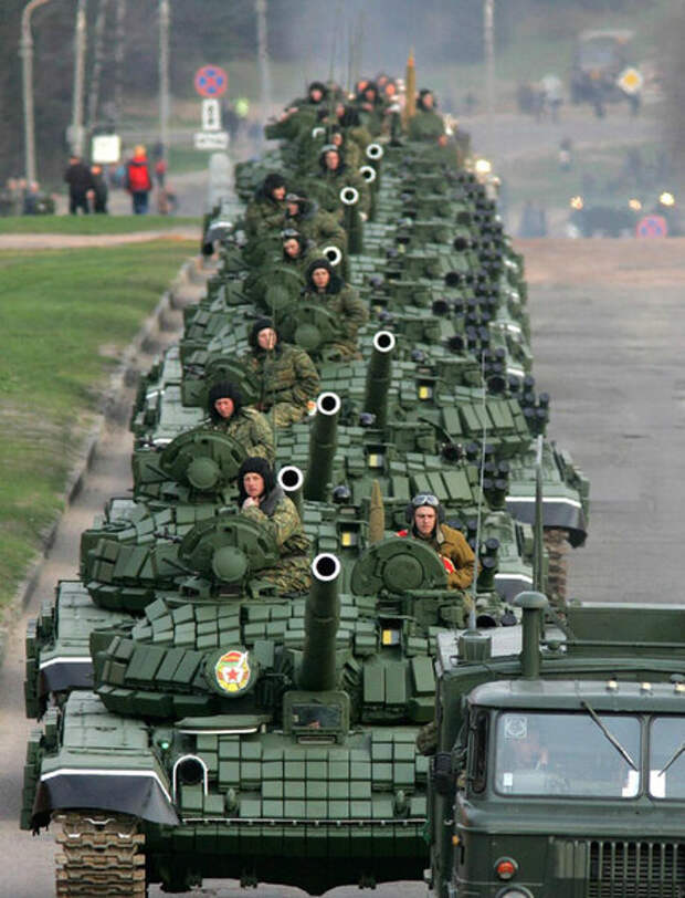 Колонна из Российских танков