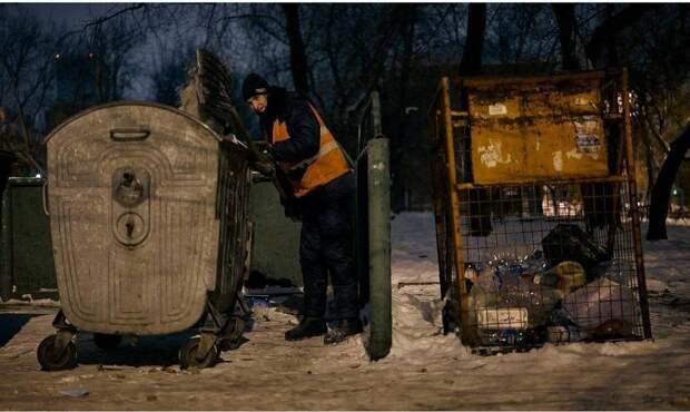 Жизнь российского дворника перевернулась с ног на голову после фотосессии