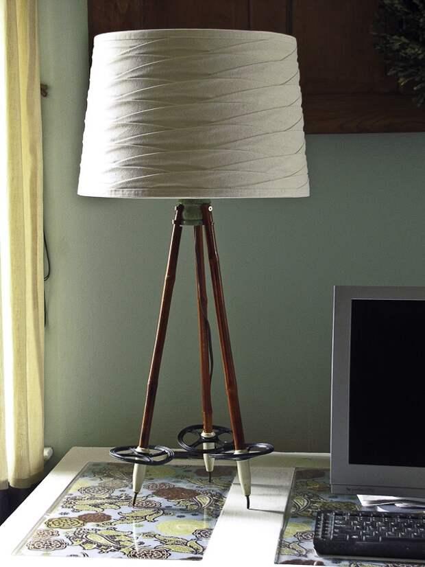 Настольная лампа из лыжных палок