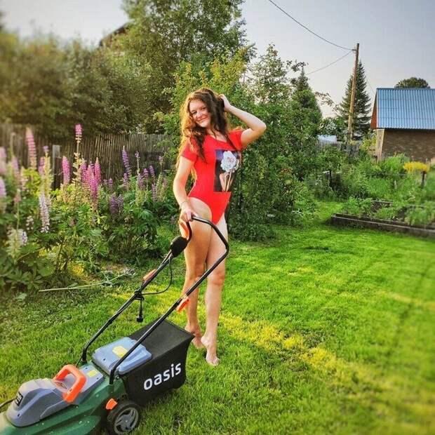 Это вам неРио-де-Жанейро: инстаграмщицы вместо курортов осваивают сады иогороды