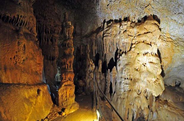 Древние тоннели в России возрастом в 200 тыс. лет, что противоречит официальной истории