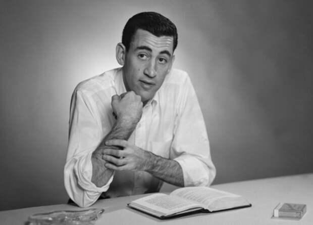 Почему «Над пропастью во ржи» считают библией американской молодежи и любимой книгой киллеров