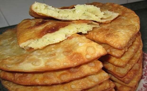 Чебуреки с сыром. Хрустящее тесто и сочная, вкусная начинка 2