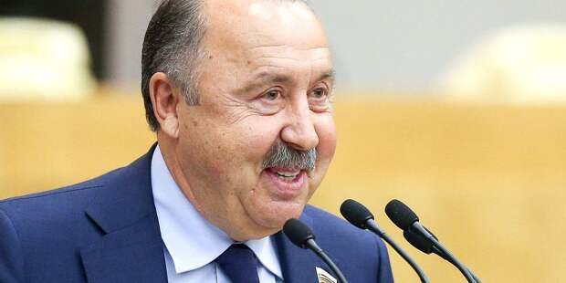 Газзаев призвал начать реформы в российском футболе после провала еврокубках