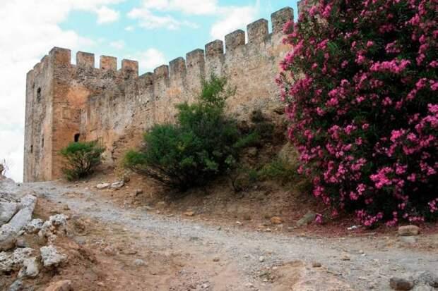 Призрачные воины замка Франгокастелло
