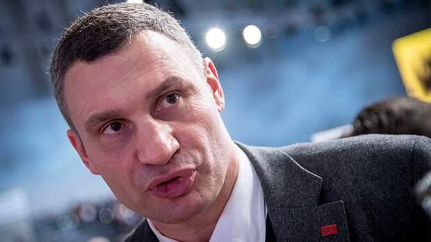 Виталий Кличко выхватил телефон ужурналиста после неудобного вопроса