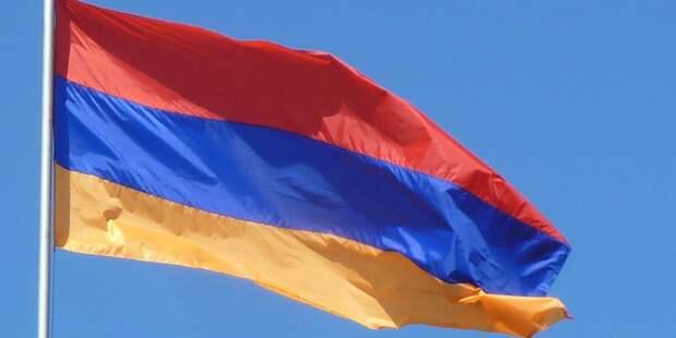 Глава Генштаба ВС Армении продолжит работу до решения суда