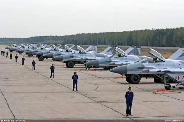 Минобороны РФ и ОАК заключили контракт на поставку 16 истребителей МиГ-29СМТ