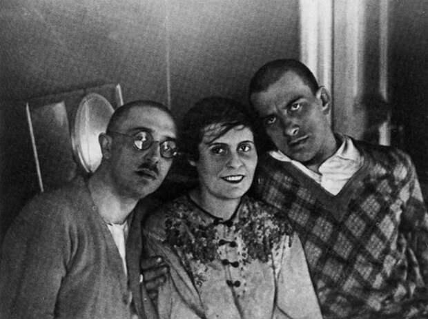 Маяковский и семейство Бриков.