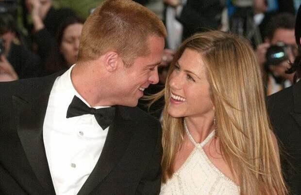 Почему бывшая жена Брэда Питта, Анджелина Джоли, запрещает Дженнифер Энистон видеться с их детьми