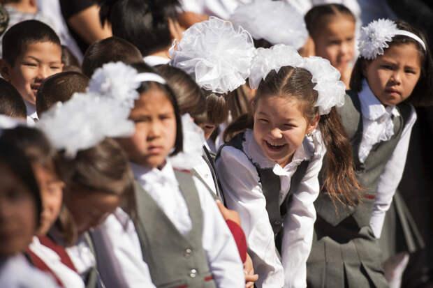 В Киргизии построят девять школ с преподаванием на русском