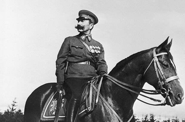 Почему военные стратеги Третьего Рейха восхищались маршалом Буденным