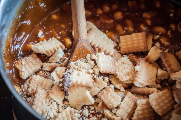 Батончики с арахисом и карамелью