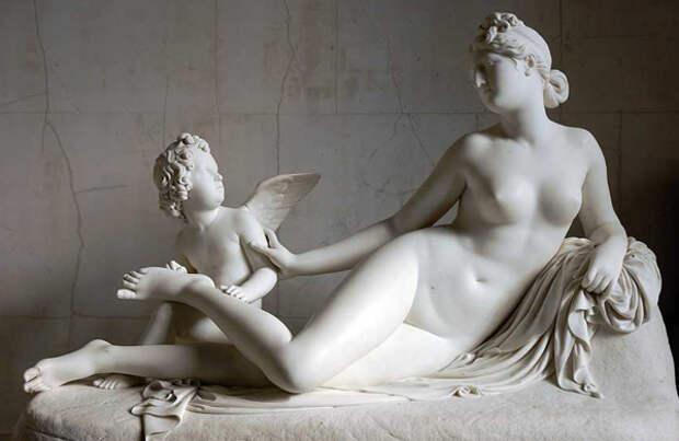 Афродита (Венера) и Амур