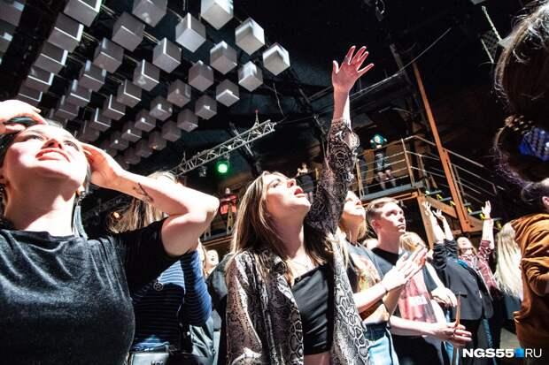 Демонические пляски под восторженные крики: как прошёл концерт Shortparis в Омске