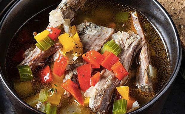 Варим суп из 600 гр бараньих ребрышек: небольшое количество мяса за час превращаем в кастрюлю еды