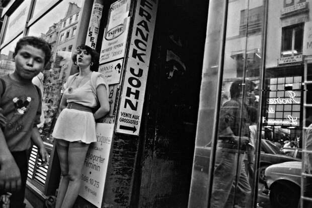 Труженицы секс-индустрии с улицы Сен-Дени. Фотограф Массимо Сормонта 13