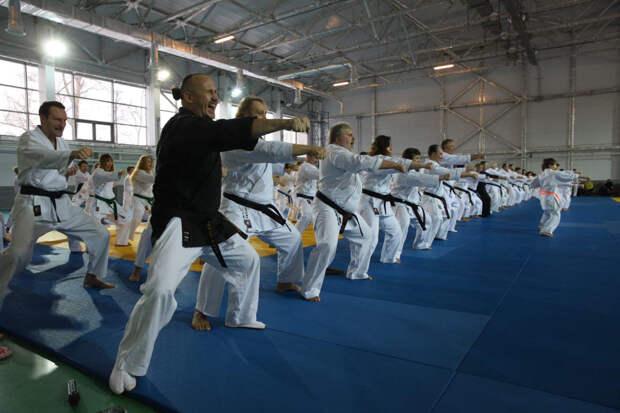 Актеров учат драться в Свиблове