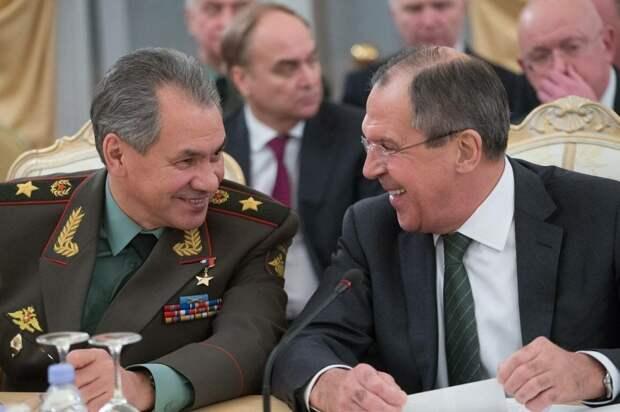 """На выборы """"Единую Россию"""" ведут тип Сталин и тип Брежнев"""