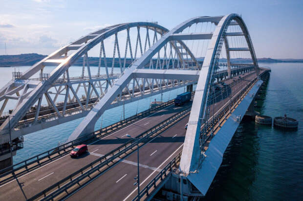 Более 1 миллиона транспортных средств проехали по Крымскому мосту за два месяца лета